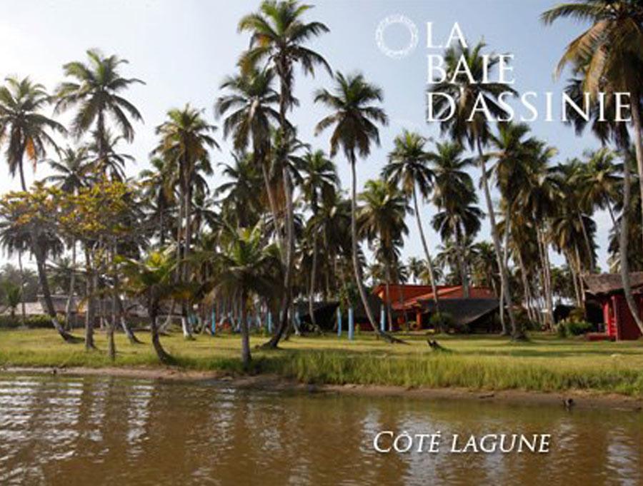 La Baie d'Assinie donne sur la lagune...