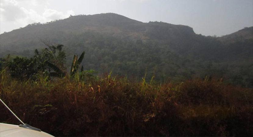 Une vue du mont Peko